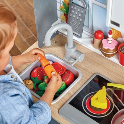 Hape Kitchen With Lights & Sounds. NEW!